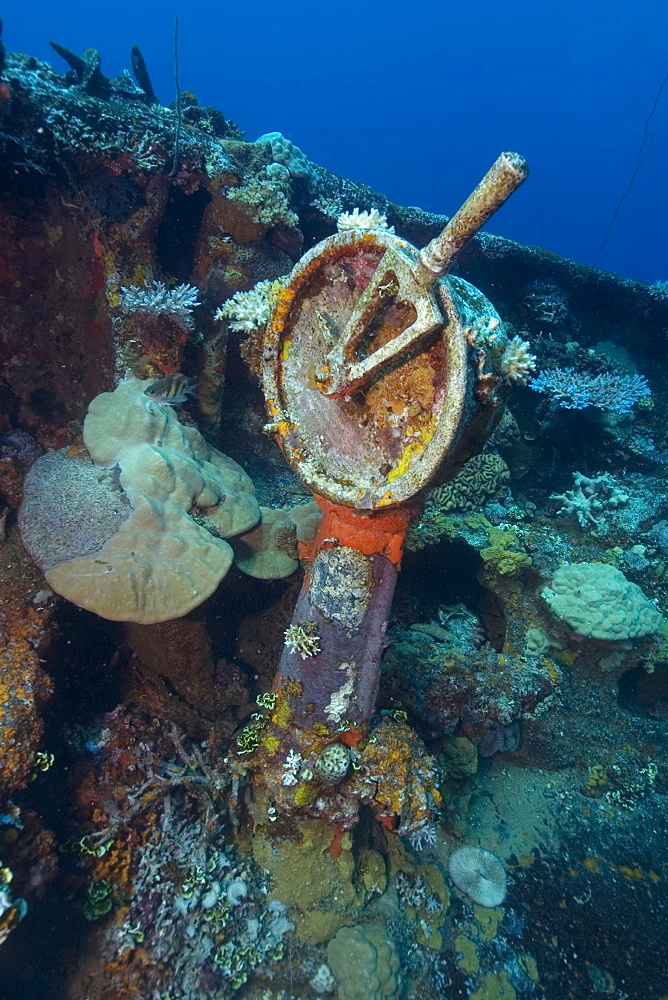 Gear shift lever on bow, Fujikawa Maru shipwreck, Truk lagoon, Chuuk, Federated States of Micronesia, Caroline Islands, Micronesia, Pacific Ocean, Pacific