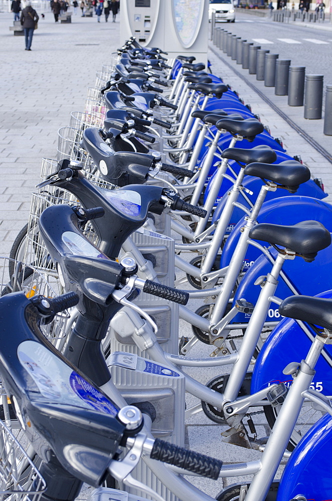 Bicycle hire in Marseille, Provence, France, Europe - 934-748