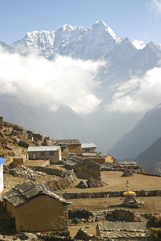 Village, Halembu Trail, Nepal. - 986-100