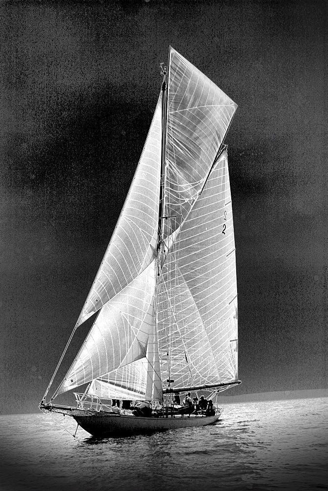 Yachts. Classic Boats, Sailing River Dart, Dartmouth, Devon. - 986-28