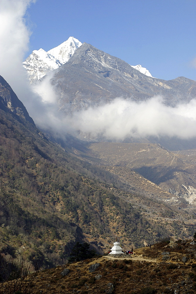 Mountain Scenic. Everest Trail, Nepal. - 986-98