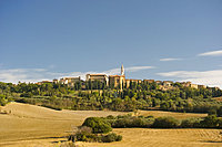 The hilltop town of Pienza in Val d'Orcia, UNESCO World Heritage Site, Tuscany, Italy, Europe
