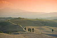 A view toward Tempielle, a hilltop farmhouse near Pienza, Val d'Orcia, UNESCO World Heritage Site, Tuscany, Italy, Europe
