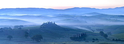 Misty dawn panoramic view towards Belvedere, across Val d'Orcia, UNESCO World Heritage Site, San Quirico d'Orcia, near Pienza, Tuscany, Italy, Europe