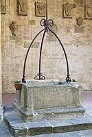 Medieval well, Palazzo dei Vicari, Scarperia, Florence, Tuscany, Italy, Europe