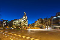 Metropolis Building on the corner of Calle de Alcala and Gran Via, Madrid, Spain, Europe