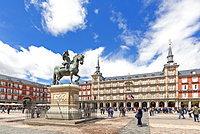 King Philip III statue and Casa de la Panaderia (Bakery House), Plaza Mayor, Madrid, Spain, Europe