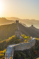 Great Wall of China, UNESCO World Heritage Site, dating from the Ming Dynasty, section looking towards Simatai, Jinshanling, Luanping County, Hebei Province, China, Asia