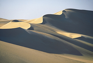 Sinous dune ridge in the great sand sea south of Siwa oasis, Egyptian Western Desert.