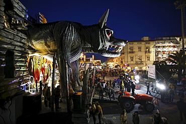 Overview Night of the floats of the Carnival of Viareggio. - 857-48844