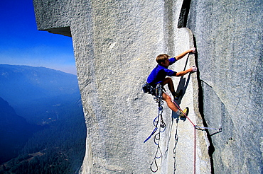Miles Smart climbing Zodiac on El Capitan in Yosemite National Park, California.