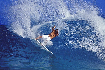 Pancho Sullivan  doing a forehand cutback at Log Cabins, Oahu, north shore