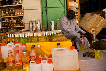 Hai el-Arab Souq in Omdurman is the largest souq in Sudan. Everything from food stalls to ironmongers  can be found here.