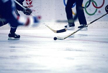 ice hockey, USA vs. Sweden, albertville france, winter olympics