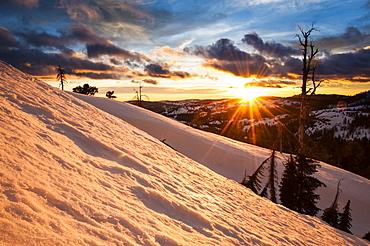 Winter sunset on the Sierra crest near the Peter Grubb hut on Donner Pass