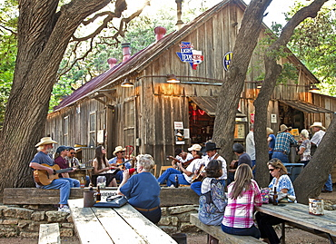 Guitar pickin' and beer, Luckenbach, Texas