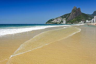 Praia de Ipanema (Ipanema Beach) on a sunny day in Rio de Janeiro, Brazil