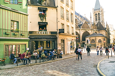 Quartier de la Sorbonne is 20th administrative district or quartier of Paris, France. It is located in 5th arrondissement of Paris, near jardin du Luxembourg and Sorbonne, on Montagne Sainte-Genevieve, Paris, Ile-de-France, France