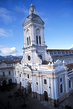 The Church of San Francisco in central Cuenca in the southern highlands of Ecuador.