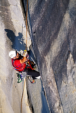 Bob Porter aid climbs Zodiac, a 16 pitch 5.11 A3+, route on El Capitan in Yosemite National Park, California.