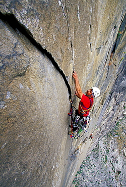 Bob Porter rock climbing, aid climbing, big wall climbing on Zodiac 5.13+ on El Capitan in Yosemite National Park, California.