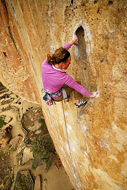 Rock climbing in Smith Rock State Park, Oregon, USA