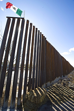 The border crossing at Columbus, NM, has new pedestrian-style fencing running west.
