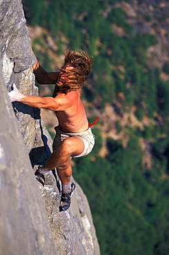 Timmy O'Neill free climbing East Buttress on El Capitan in Yosemite National Park, California.