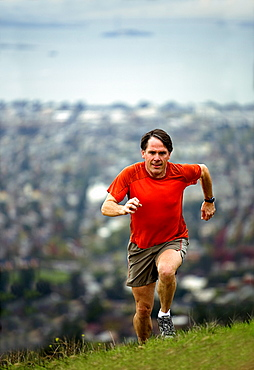 Jeff Rogers trail running in the East Bay Hills above Berkeley and Oakland, California.