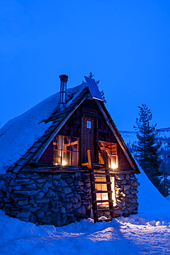 The Peter Grubb hut was built by the Sierra Club in 1938-39, and is a backcountry ski in hut on Donner Pass