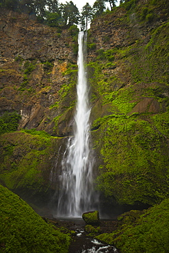 Upper Multnomah Falls, a 542-foot waterfall located in the Columbia River Gorge in Oregon.