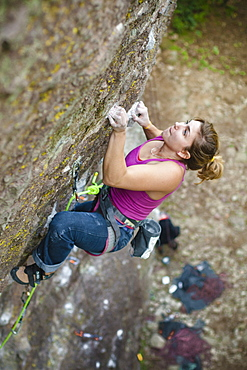 A Woman Rock Climbing In Jilotepec, Estado De Mexico, Mexico