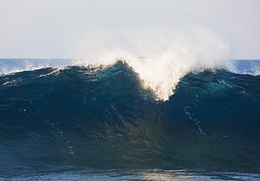 Hawaii, United States Of America, Large Incoming Ocean Wave Breaking
