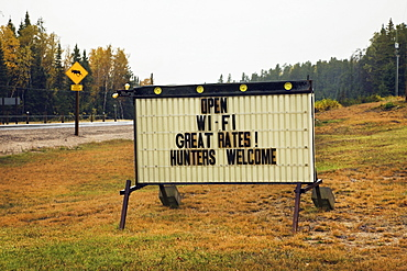 Sign advertising accommodation hunters welcome, Ontario canada