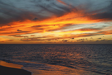 Colourful sunset over the pacific ocean, Hawaii, united state of america