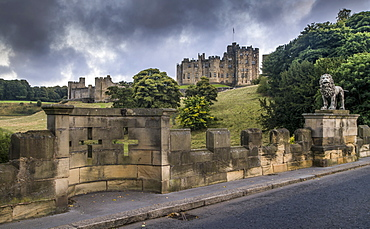 Alnwick Castle With Crosses In The Stone Wall, Alnwick, Northumberland, England