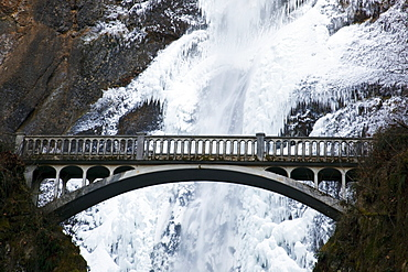 Columbia River Gorge National Scenic Area, Oregon, United States Of America; Multnomah Falls Covered In Snow And Ice