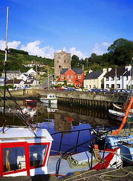 Co Wexford, Ballyhack Harbour, And 15Th C. Castle, Ireland