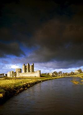 Trim Castle, River Boyne, Trim, County Meath, Ireland