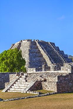 Castillo De Kukulcan, Mayapan Mayan Archaeological Site, Yucatan, Mexico