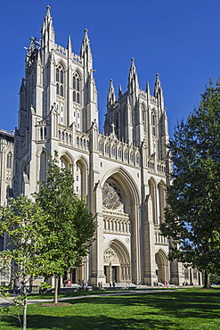 Washington National Cathedral, West Facade Of Cathedral, Built In Gothic Revival Style Required 83 Years To Complete And Repair Work Resulting From 2011 Earthquake Visible On Left Tower, Washington, District Of Columbia, United States Of America