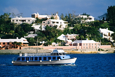 Side view of a glass bottom boat, Hamilton, Bermuda