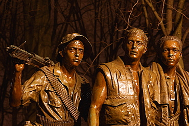 Sculpture of three soldiers at a memorial, Vietnam Veterans Memorial, Washington DC, USA