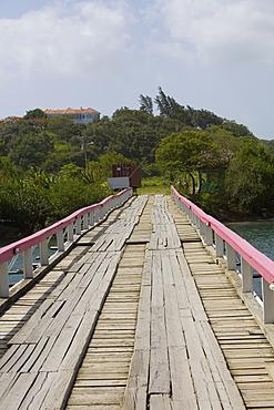 Bridge over the sea, Dixon Cove, Roatan, Bay Islands, Honduras