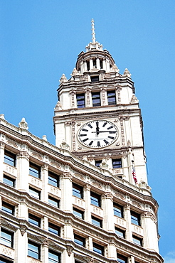 Low angle view of a building, Wrigley Building, Chicago, Illinois, USA