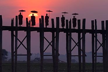 Monks on the U Bein Bridge, Amarapura, Myanmar, U Bein Bridge, Amarapura, Myanmar