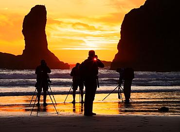 Photographers at sunset, Second Beach, Olympic National Park, Washington, USA, Olympic National Park, Washington, USA