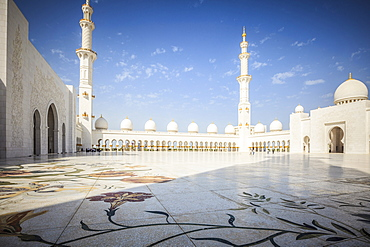 Ornate arches of Sheikh Zayed Grand Mosque, Abu Dhabi, United Arab Emirates