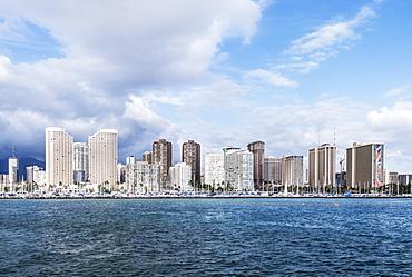 Honolulu city skyline over ocean, Hawaii, United States, Honolulu, Hawaii, USA