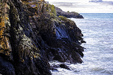 View of rugged cliffs along the coastline of Pembrokeshire National Park, Wales, UK, Pembrokeshire National Park, Wales